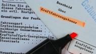 Einzug der KfZ-Steuer per Lastschriftverfahren? Manche Bürger sollen die neuen Schreiben für Betrugsversuche gehalten haben. (Symbolbild)