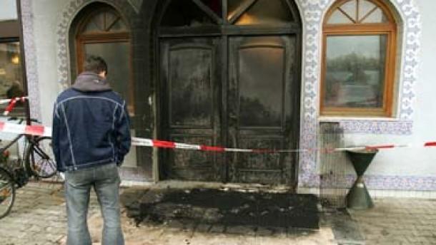 Anschläge auf türkische Lokale und Moscheen aufgeklärt
