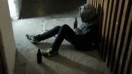 Alkoholismus als Krankheit statt als Versagen zu begreifen, hat Heinrich geholfen (Symbolbild).
