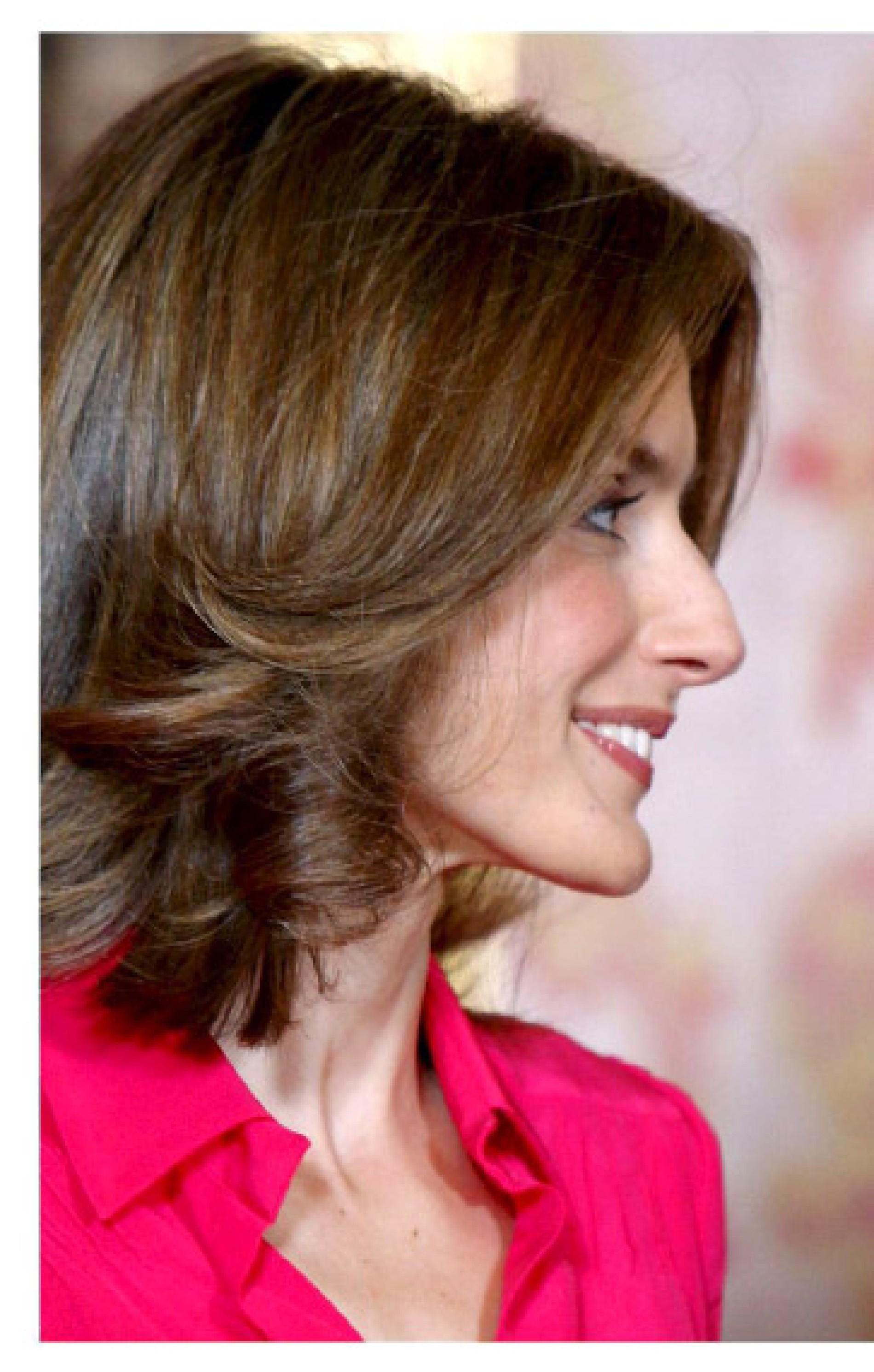 Frau frisur nase große welche Frisuren für