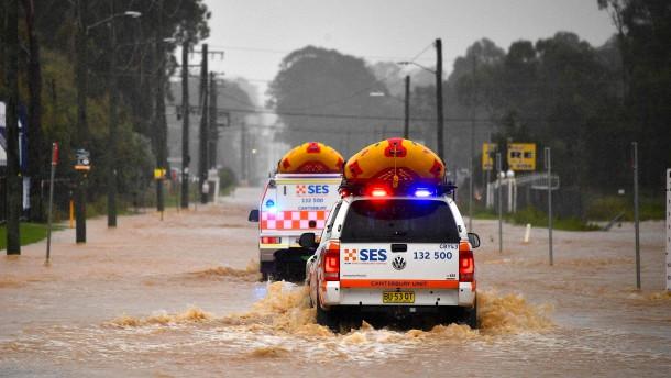 Hunderte Menschen fliehen in Australien vor Überschwemmungen