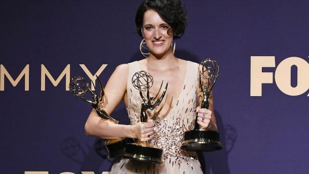 Wer bekäme den Emmy für das beste Outfit?