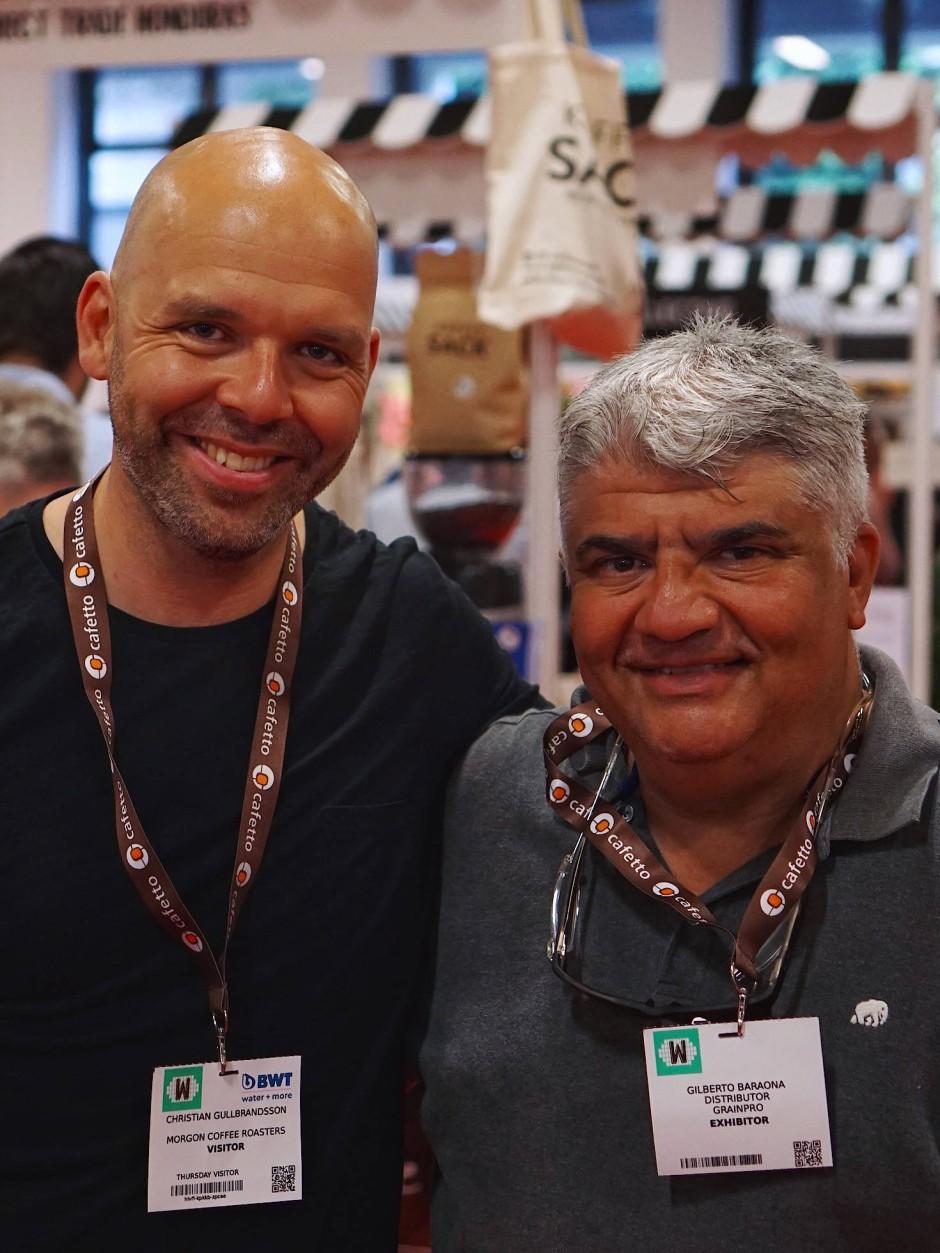 Kontakt zu den Anbauern: Kaffeebauer Gilberto Baraona (rechts) mit Christian Gullbrandsson von Morgon Coffee
