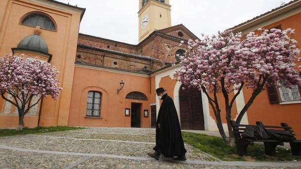 Dutzende Priester in ganz Italien an Coronavirus gestorben