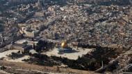 Luftaufnahme von Jerusalem: Die bevorstehende Entscheidung des amerikanischen Präsidenten über eine Verlegung der Botschaft nach Jerusalem sorgt international für wachsende Unruhe.