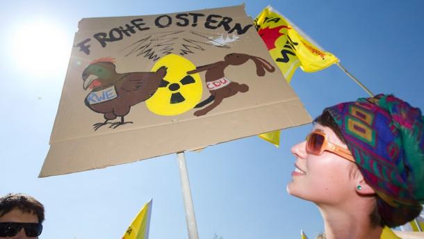 120.000 Menschen gegen Atomkraft auf der Straße