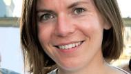 Mary Scherpe mit Stalking-Stick beim Minister
