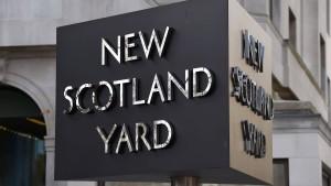 Vulgäre und rätselhafte Botschaften im Namen der Londoner Polizei verschickt
