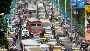 Monsun fordert mindestens 786 Tote