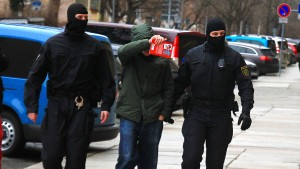 Razzia bei mutmaßlichen Rechtsextremisten in Dresden
