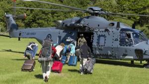 Urlauber nach schweren Erdrutschen ausgeflogen