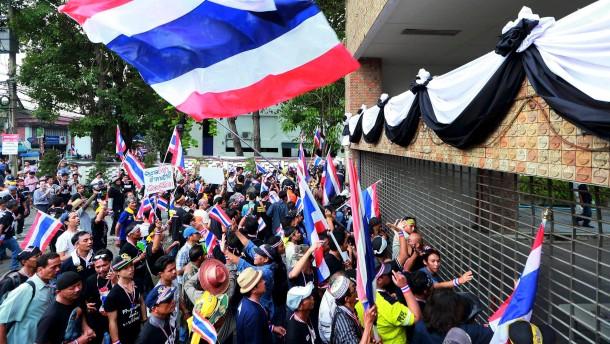 Notstandsrecht in ganz Bangkok