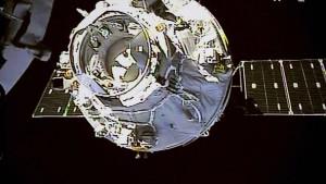Raumlabor stürzt ab, Experten warnen vor Trümmern