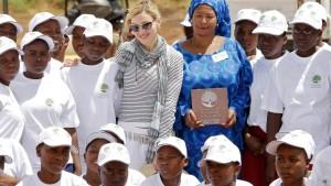 Fußballacker statt Mädchenschule in Malawi