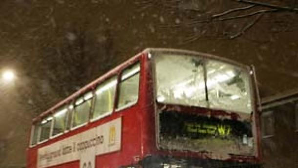 Wintereinbruch sorgt für Verkehrschaos in Westeuropa