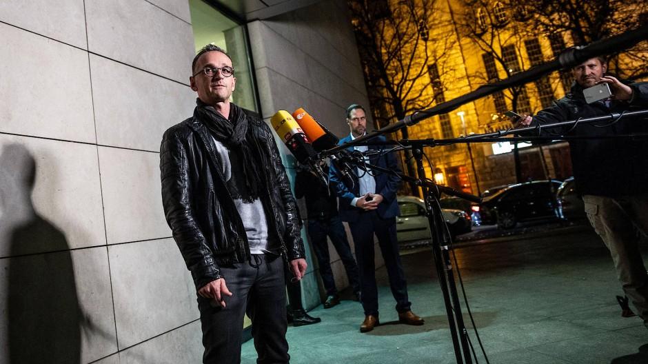 """9afc092ecf """"Eigentlich sehe ich immer so aus"""", sagt Heiko Maas nach der  Pressekonferenz über"""