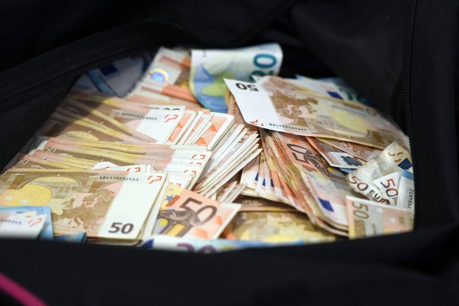 Euro gefunden in der auvergne liegt das geld auf for Cuisine 10 000 euros