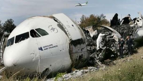 Ermittlungen nach Air-France-Bruchlandung
