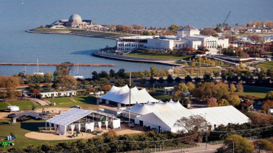 Obama ließ im Grant Park in Chicago eine riesige Zeltstadt aufbauen