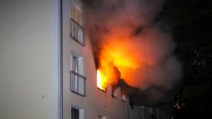 Sechs Verletzte bei Explosion in Mehrfamilienhaus