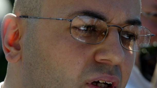 Charlotte: Marcos Zudringlichkeiten abgewehrt