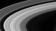 Kontrollierter Absturz: Hier eines der letzten Bilder, die die Raumsonde aus der Umlaufbahn des Saturn im September schickte.