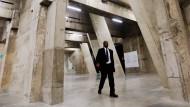 Die etwa 30 Meter breiten ehemalige Öltanks sind nun in London für Kunstinstallationen hergerichtet worden.