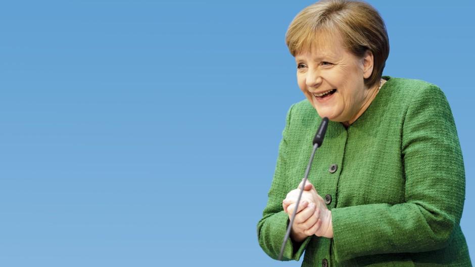 Heiterer Moment: Angela Merkel im Februar 2018 bei der Vorstellung von Annegret Kramp-Karrenbauer als CDU-Generalsekretärin in Berlin