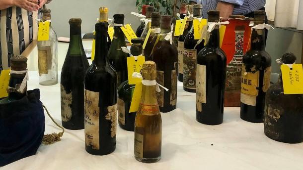 Hunderte wertvolle Weinflaschen im ehemaligen Königspalast entdeckt