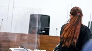 Tötung eines Säuglings nach 21 Jahren vor Gericht