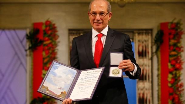 Carl Gustaf ehrt Preisträger