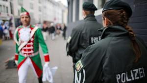 2000 Polizisten und Videoüberwachung beim Kölner Straßenkarneval