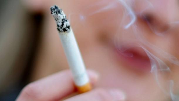 Jugendliche rauchen so wenig wie nie zuvor