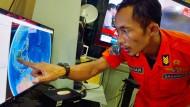 Air-Asia-Maschine vor Indonesien verschwunden