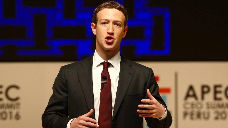 Geht nach heftiger Kritik nun doch gegen Falschmeldungen vor: Facebook-Gründer Mark Zuckerberg.