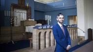 Vor dem Fest: Rabbiner Alexander Nachama in der Neuen Synagoge in Erfurt