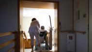 Razzien in 237 Pflegeheimen