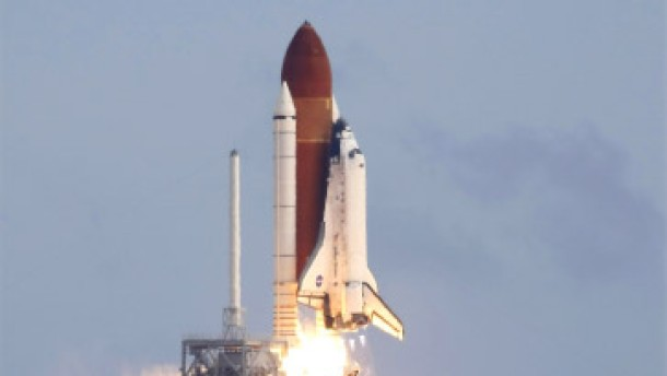 Raumfähre Discovery gestartet