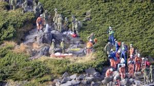 Zahl der Toten nach Vulkanausbruch auf mindestens 36 gestiegen