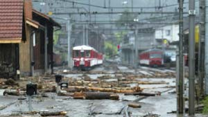 Tote bei Überschwemmungen und Erdrutschen