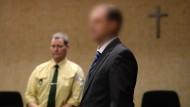 Geleugnet, gestanden: der angeklagte Pater im Landgericht München