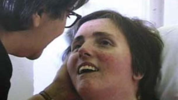 Terri Schiavo's feeding tube removed