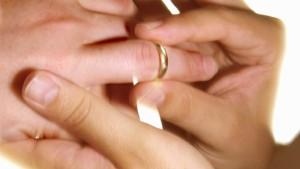 Todkranke wird für Hochzeit aus Koma geweckt