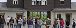 Im Keller der Krematorien in Buchenwald soll das Bild der britischen Neonazis aufgenommen worden sein. (Archivbild)