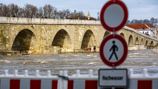 Schneeschmelze bringt Hochwasser und Lawinengefahr