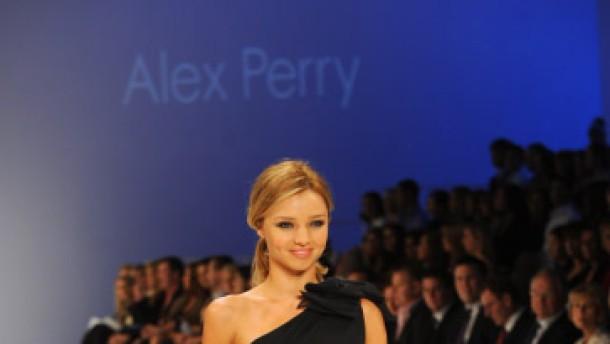 Model Miranda Kerr zeigt Verständnis für Banker