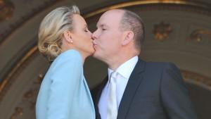 Dann der Kuss am Wappenfenster