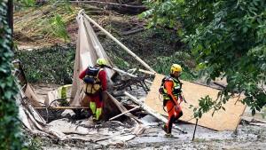 Zwei Deutsche nach Zeltlager-Unfall in Polizei-Gewahrsam