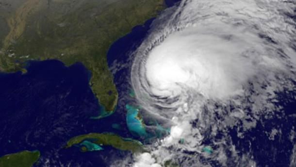 Tropensturm Noel wird zum Hurrikan