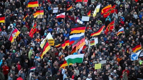 Tillich warnt vor Ausländerhetze bei Wilders-Besuch in Dresden